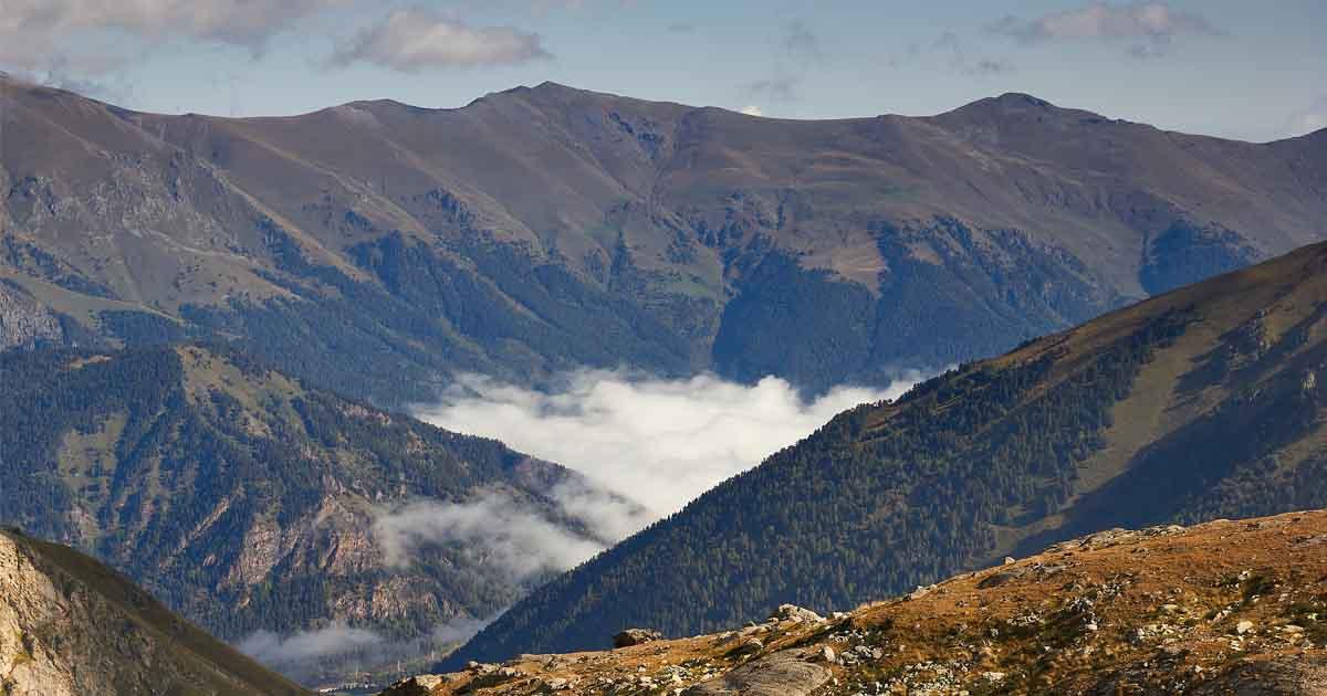 Southeast ridge of Cheget-chat summit