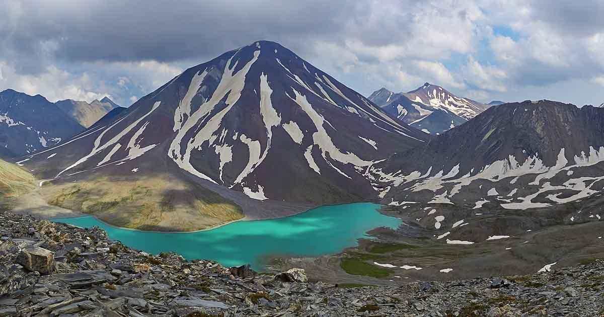 Volcano Sherkhota.