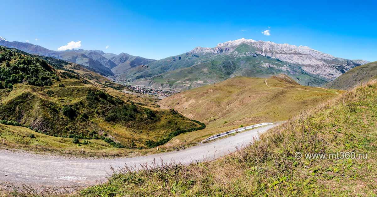 Khanikom gorge, the road to the pass Kakadursky